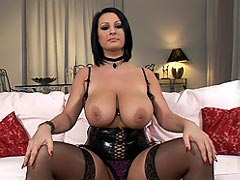 Hot wild slut LaTaya Roxx shows her huge boobs