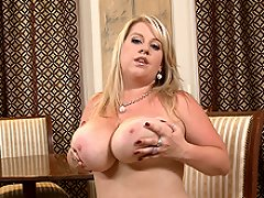 Janne Hollan presents her tits