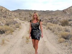 Kelly walks through the desert and finds an oasis to put in her mouth she sucks and fucks until it pops.