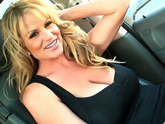 Kelly stops by Playboy and as she leaves she can't believe how hot the girls were and needs to play with her pussy in the car.